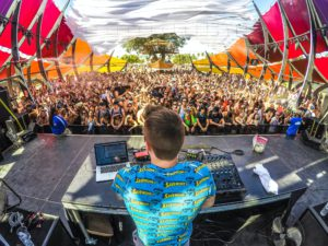 DJ preforming